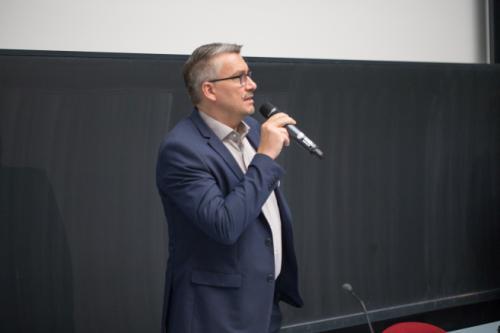 Prof Ittner